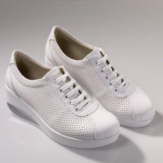 Yüksek Tabanlı Ortopedik Bayan Hastane Klasik Spor Ayakkabısı